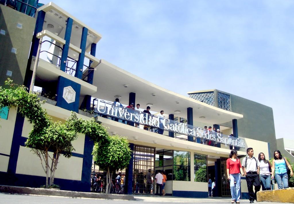fachada UCSS