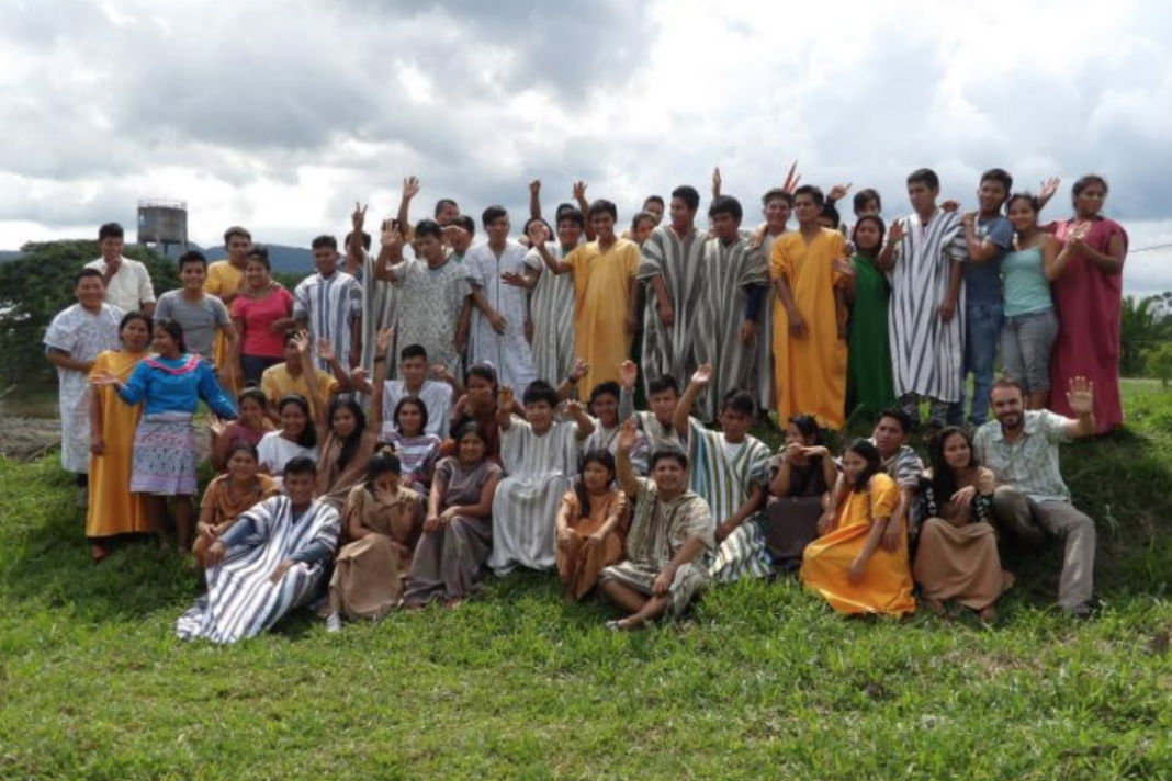 alumnos NOPOKI UCSS que trabajaran traducción de la Oración oficial