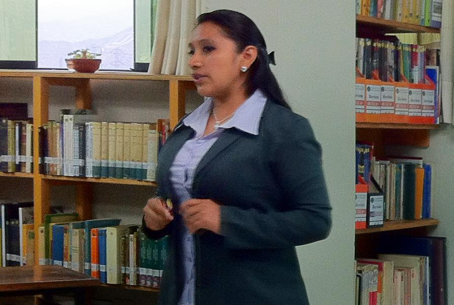 Licenciada Betsy juana Nuñez Apolinario