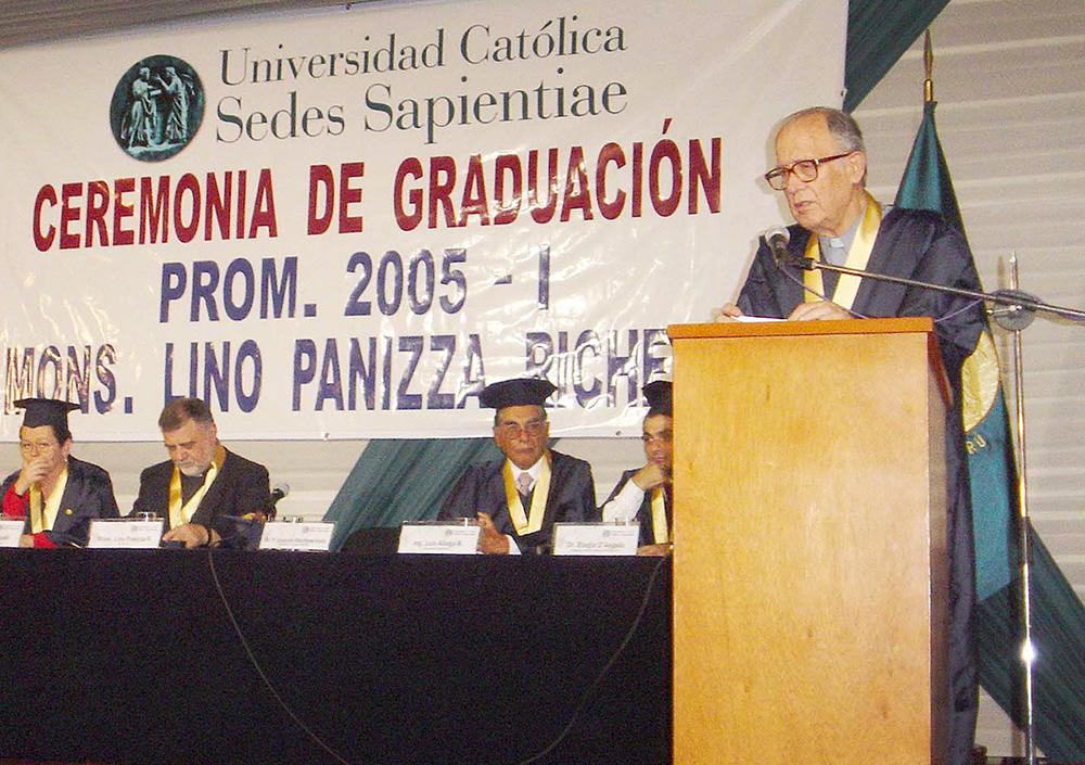 primera-graduacion-ucss-01