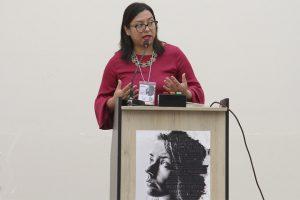 Profesora Tatiana Chávez. de la UCSS, brindando su ponencia en el II Congreso de Universidades Católicas.