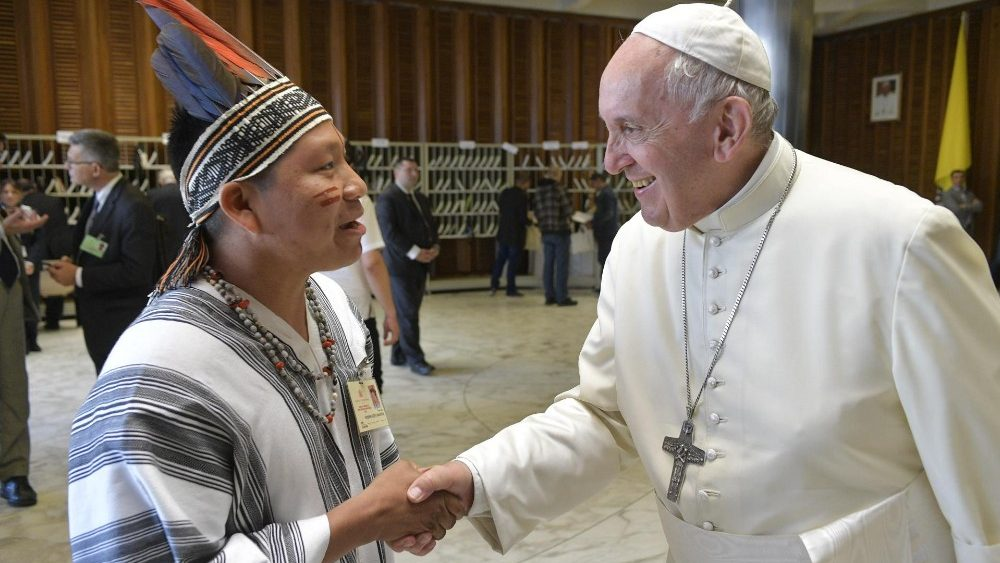 La voz de la selva en el Vaticano: los problemas que sufren las comunidades indígenas expuestos al papa Francisco